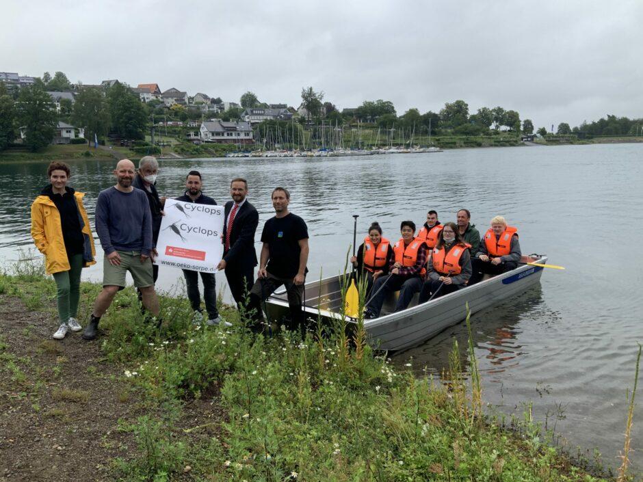 Sparkassenstiftung ermöglicht neues Forschungsboot am Sorpesee