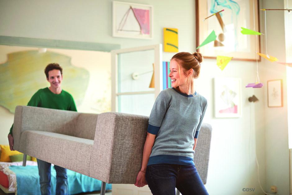Versicherungen: Was junge Paare prüfen sollten